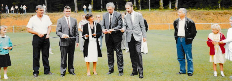 Inauguration du terrain honneur de l'As Perrouse en 1990